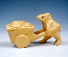 Boxwood Hand Carved Netsuke Sculpture Miniature Mouse Pushing Food Cart #120913