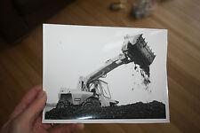 automobilia  SAMBRON DIGGER    PUBLICITY PHOTOGRAPH 21X 17  cm