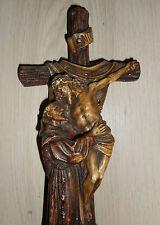 ANCIENNE STATUE RELIGIEUSE: SAINT FRANCOIS ET JESUS  SUR CROIX/ PLATRE  /H.31 cm