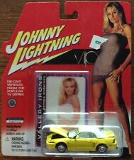 2000 Ford Mustang VIP TV Show Johnny Lightning 1:64 White Lightning Die-Cast PAM