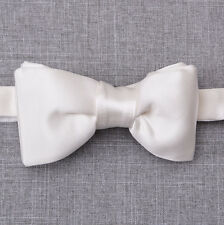 New $250 TOM FORD Ivory White Satin Silk Bow Tie Bowtie Small Size