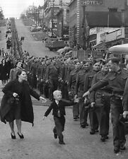 """""""Wait for me daddy"""" Young son running Canadian Dad Soldier 8 x 10 WWII Photo 366"""
