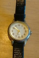 Vintage Geneva ladies watch, running with new battery NR G