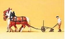 Preiser 30431 Bauer mit Pferdepflug