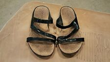 DKNY Womens Black Patent Leather Slide Sandals Size 8