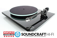 Rega Planar 2 (2016) Turntable + Rega Carbon Cartridge. Gloss Black. Free UK P&P