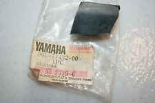 NOS Yamaha snowmobile side panel grommet pz480 phazer 1985-89