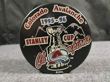 COLORADO AVALANCHE HOCKEY PUCK 1995-96 TEAM EDITION STANLEY CUP ROSTER PUCK!