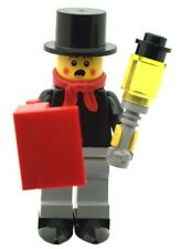 LEGO Male Xmas Christmas Carol Singer Minifig with Lamp and Song Book  NEW