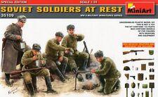 Los soldados soviéticos en reposo (w/weapons & Equipment) 1/35 Miniart Nuevo