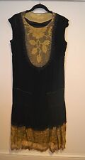 RARE VINTAGE 1920s EGYPTIAN REVIVAL SILK FLAPPER DRESS W/ METALLIC LACE ACCENTS
