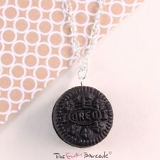 FUNKY OREO NECKLACE CUTE GIRLS QUIRKY KITSCH BISCUIT FOOD RETRO NOVELTY COOL FUN