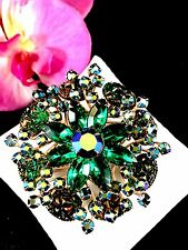 BEAU JEWELS GOLD-TONE EMERALD GREEN LAVA ROCK SAPPHIRE RHINESTONE FLORAL BROOCH