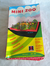 VINTAGE 1970s Zoo Set DULCOP MINI ZOO + animali giocattolo Vecchio Stock Set 761