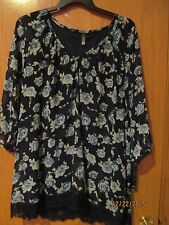 Navy Blue w/green roses V neck blouse w/lace hem~Woman's PLUS Size 1X~NEW w/tags