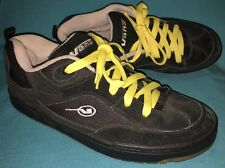 VANS GRAPH 3041375 Skate Shoes Mens Sz 12 BLACK Leather Yellow Laces