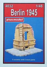 PLUS MODEL 4032 Berlin 1945 Diorama in 1:48