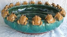 **** VINTAGE MAJOLICA STYLE ART POTTERY 18 FROGS ON LILY PAD BOWL/BAMBOO PLANTER