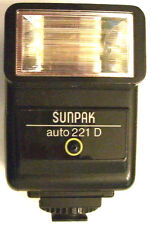 Sunpak 221D Dedicated Electronic Flash for Konica FS-1 FT-1 FP-1 FC-1 SLR Camera
