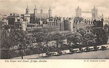 B85403 the tower of london and tower bridge chariot    london uk