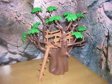 ( B 15 / L )  Dicker Baum mit Aussichtsplatte Akazie Eiche Safari Wald