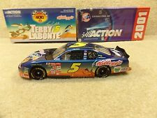 New 2001 Action 1:24 Diecast NASCAR Terry Labonte Looney Tunes Road Runner #5