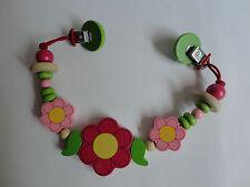 Wagenkette aus Holz mit Blumen