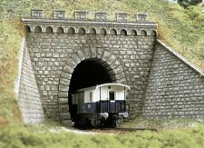 BUSCH HO scale - PREMIUM TUNNEL PORTAL WITH WINGS - plastic model #7022