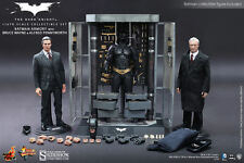 "Batman Armory Alfred & Bruce Wayne The Dark Knight 1/6 12"" Figur MMS236 Hot Toys"