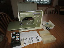 VIKING HUSQVARNA TYPE 2000 COLORMATIC free arm sewing machine acc. case RARE