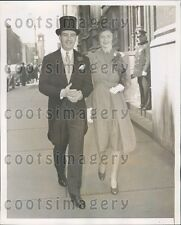 1939 Fashionable 1930s NYC Socialites Leave Easter Service 5th Ave Press Photo