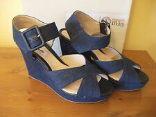 Ladies CLARKS 'Lonan Grace' Denim Wedge/Platform SANDAL Size UK 6 EUR 39 USED