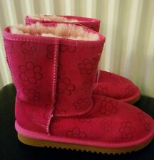 Kirkland Signature Genuine Sheepskin low boots Pink Flowers embossed size 4 Girl
