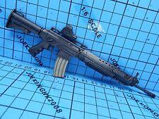 HotToys1:6 Biohazard 5 VGM06 Chris Redfield BSAA Ver Figure-SIG556 Machine Gun