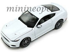 MAISTO 38133 EXCLUSIVE EDITION 2015 FORD MUSTANG GT 1/18 DIECAST MODEL CAR WHITE