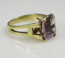 Estate Vintage Unusual 14K Yellow Gold Bright Purple Amethyst Solitaire Ring