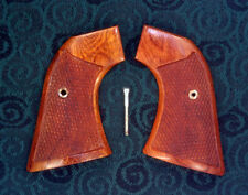 Ruger New Vaquero, Montado, 50th Anniversary Rosewood Grips checkered