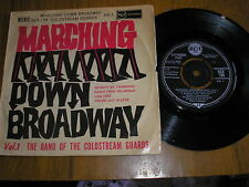 BAND OF COLDSTREAM GUARDS MARCHING DOWN BROADWAY 4 TRACK E.P. RCA RCX-194