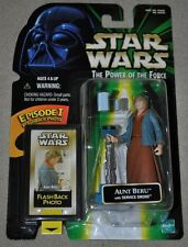 STAR WARS POWER OF THE FORCE AUNT BERU WITH SERVICE DROID FLASHBACK PHOTO MOSC