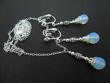 A PRETTY OPALITE/MOONSTONE BEAD NECKLACE AND CLIP ON EARRING SET. NEW.