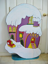 HAND MADE & PAINTED WHOVILLE TOY SHOP CHRISTMAS YARD ART