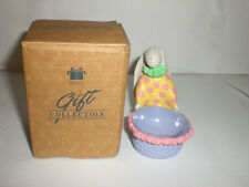 AVON GIFT COLLECTION EGGS-TO-YOU EGG HOLDER STANDNG BUNNY WITH BASKET NEW IN BOX