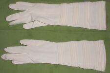 White Vintage Ladies Gloves - Long w/button closures ~ Size 6 1/2