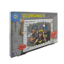 OFFICIALY LICENSED DC COMICS PHOTOBOOTH PHOTO BOOTH WITH COMIC BOOK PROPS