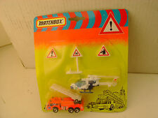 1993 MATCHBOX EUROPEAN EMERGENCY SET RESCUE HELICOPTER & FIRE LADDER TRUCK MOC