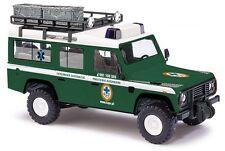 """Busch 50390 HO (1/87): Land Rover Defender """"Bergwacht Polen"""""""