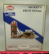 New Model Power 476 Mickey's Fruit st HO scale building