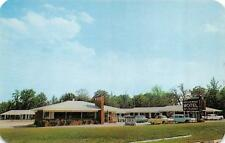 WILLIAMSTON, NC  North Carolina    BREEZEWOOD MOTEL    Roadside c1950's Postcard
