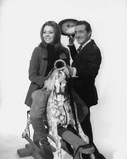 PATRICK MacNEE & DIANA RIGG UNSIGNED PHOTO - 4756 - THE AVENGERS
