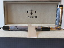 PARKER DUOFOLD INTERNATIONAL PEARL & GRAY FOUNTAIN PEN FINE  POINT  NEW IN  BOX